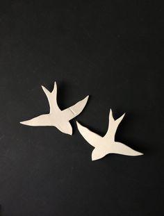 Mi együtt száll Fal művészet fecskék Porcelán madár fali szobor Kerámia fürdőszoba hálószoba nappali konyha art fali dekoráció Faux állatpreparátori