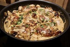 Kippendij in champignon roomsaus - Heerlijke Happen Healthy Chicken Recipes, Pasta Recipes, Dinner Recipes, Cooking Recipes, Confort Food, Wood Stove Cooking, Happy Foods, Soul Food, Food Videos