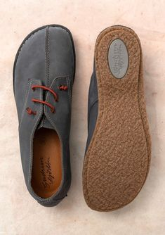Comfy and sure-footed shoe inspired by classic desert boots in sturdy, unlined nubuck. This roomy and comfy style is the perfect walking companion. Comfy Shoes, Casual Shoes, Mens Fashion Shoes, Fashion Fashion, Runway Fashion, Fashion Ideas, Fashion Trends, Minimalist Shoes, Disney Shoes