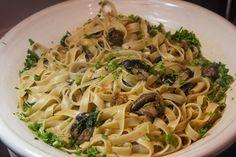 Spaghetti, Pasta, Ethnic Recipes, Food, Meals, Noodles, Yemek, Spaghetti Noodles, Eten