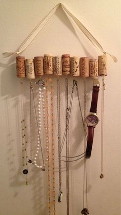 I have an organizer for my earrings, but the necklaces need help. Wine Cork Necklace Rack by WhatShipsAreBuiltFor on Etsy Wine Craft, Wine Cork Crafts, Wine Bottle Crafts, Champagne Cork Crafts, Wine Cork Art, Old Wine Bottles, Empty Bottles, Altered Bottles, Crafts To Do