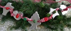 Dianne Zweig - Kitsch 'n Stuff: What To Do With Antique And Vintage Christmas Cookie Cutters (cookie cutters) Christmas Kitchen, Christmas Past, Primitive Christmas, Country Christmas, Christmas Projects, Winter Christmas, Holiday Crafts, Vintage Christmas, Christmas Things