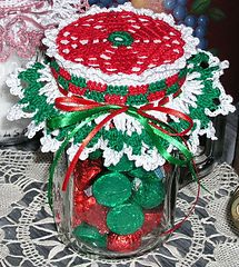 Poinsettia of Peace Jar Doily ~ free pattern
