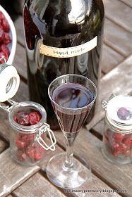MojeTworyPrzetwory: Nalewka wiśniowa Red Wine, Alcoholic Drinks, Glass, Handmade, Food, Hand Made, Drinkware, Corning Glass, Essen