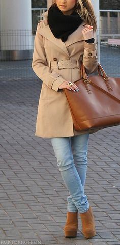 fall outfit. big scarf, big bag, cute trench