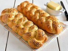 Paine impletita – reteta video Braided Bread, Yams, Sweet Bread, Hot Dog Buns, Baked Potato, Potatoes, Gluten, Baking, Ethnic Recipes