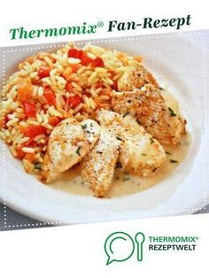 Chicken with paprika-carrot-rice & sauce-Hähnchen mit Paprika-Möhren-Reis & Sauce Chicken with paprika and carrot rice & Kris Tina sauce. A Thermomix ® recipe from the main course with meat category www.de, the Thermomix ® community. Rice Recipes, Pork Recipes, Vegetarian Recipes, Chicken Recipes, Dessert Recipes, Sauces Thermomix, Easy Dinner Recipes, Easy Meals, Sauce For Rice