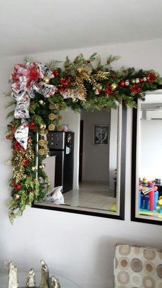 Xmas The magical touch! Christmas Swags, Xmas Wreaths, Christmas Door, Christmas 2019, All Things Christmas, Christmas Crafts, Seasonal Decor, Holiday Decor, Christmas Bathroom