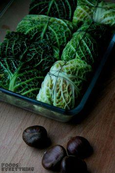 vegane Wirsingroulade mit Maronen, Pilzen & Kürbis