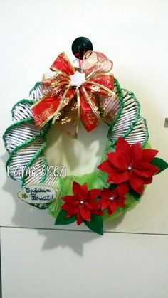 Ghirlanda natalizie. . . cannucce di carta Winter Christmas, Christmas Wreaths, Christmas Crafts, Christmas Decorations, Xmas, Holiday Decor, Straw Weaving, Paper Crafts, Homemade