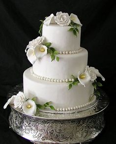 Round Silver Wedding Cake Stand Plateau For Weddings And Catering