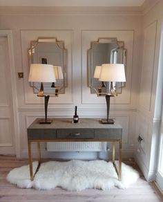 Hall Design, Entryway Tables, Table Lamp, Glam Style, Furniture, Home Decor, Decoration Home, Room Decor, Table Lamps