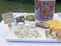 Easy Gourmet Party Platter http://www.hgtv.com/entertaining/host-a-wintertime-picnic-in-the-park/pictures/page-17.html?soc=pinterest