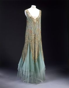 Dress by Jean-Charles Worth, 1928-1929 via The Victoria & Albert Museum