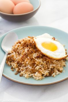 http://blog.junbelen.com/2012/06/27/t-is-for-tutong-and-how-to-make-adobo-fried-rice/ ADOBO FRIED RICE