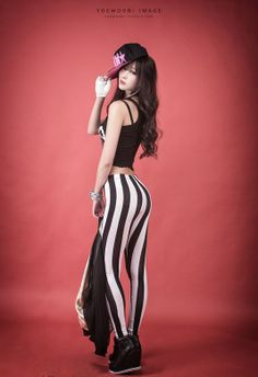 Lee Yoo Eun – Adorable & Fabulous In The Studio!!!