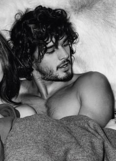 Marlon Teixeira...and some chica conventiently cropped out of the photo!