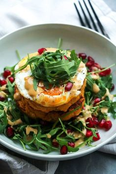 Curried sweet potato & chickpea pancakes with lemon tahini dressing – Charley's Health (also known as my kind of food👌🏾) Veggie Recipes, Vegetarian Recipes, Cooking Recipes, Healthy Recipes, Carrot Recipes, Rice Recipes, Crockpot Recipes, Salad Recipes, Chicken Recipes