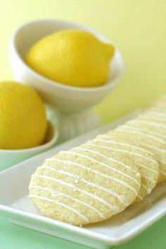 Lemon Crisps. I am in love with lemon. The first bite of anything lemon is always so crisp, so awakening and so refreshing:)