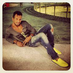 #Io#outfit #espadrillas#prada#yellow#giallo#limone#pants#jeans#just_cavalli#sunglasses#oakley#t-shirt#philipp_plein