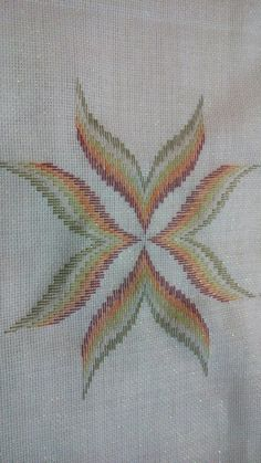 Bargello Needlepoint, Palestinian Embroidery, Needlework, Diy And Crafts, Stitch, Plaid, Butterfly, Creative, Handmade Crafts