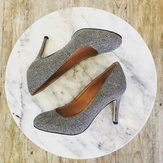Herringbone pumps by @cccorsocomousa. Doesn't get much cuter.  #betsykingshoes #paseoartsdistrict #fallishere #cuteandcomfortable