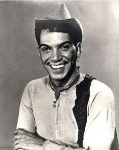 """Mario Moreno """"Cantiflas"""" El primer deber del hombre, es ser feliz. -classic Hispanic comedian"""