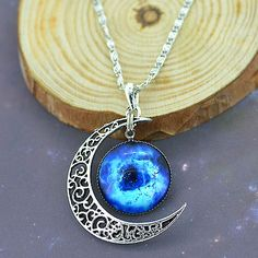 New-Galactic-Univers-Glass-Cabochon-Pendant-Silver-Tone-Crescent-Moon-Necklace