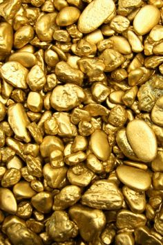 "Little nuggets of gold. Or, this might be gold dust under intense magnification. No caption, other than ""gold"". Bild Gold, Tapete Gold, Gold Everything, Or Noir, Gold Aesthetic, Aesthetic Colors, Gold Wallpaper, Iphone Wallpaper, Wallpapers Android"