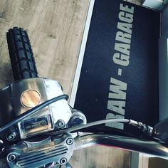 #rawgarage#harleydavidson#harley#buell#bmw#motorrad#triumph#scrambler#bobber#caferacer#bagger#details#monaco#montecarlo#milano#venezia#rimini#roma#bari#pescara#motorcycle#italy# by raw_garage