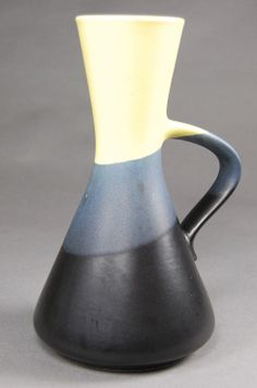 Dümler & Breiden, handled vase - Design und Klassiker