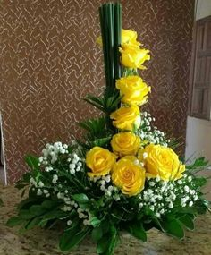 "Discover more information on ""long stem roses for cut flowers"". Look at our website. Valentine Flower Arrangements, Flower Arrangement Designs, Unique Flower Arrangements, Unique Flowers, Exotic Flowers, Floral Centerpieces, Yellow Flowers, Beautiful Flowers, Tropical Flowers"
