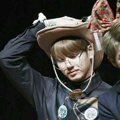 Jungkook Oppa, Bts Bangtan Boy, Taehyung, Foto Bts, Bts Photo, Bts Maknae Line, Army Love, Jeon Jeongguk, I Love Bts