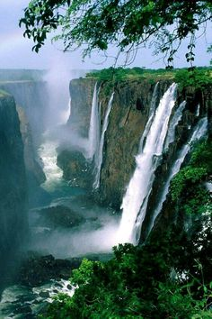 Victoria Falls, Zimbabwe, Africa A place to visit. If your visiting victoria falls, i suggest you land in Vic Falls airport and stay in Zambia. Beautiful Waterfalls, Beautiful Landscapes, Cool Places To Visit, Places To Travel, Chutes Victoria, Chobe National Park, Victoria Falls, Visit Victoria, Photos Voyages