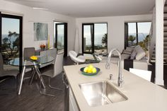 301Ocean.com /  Luxury Ocean View Apartments in Santa Monica, CA  /  310-907-7587
