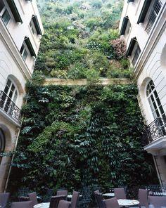 Hotel Pershing Hall in Paris