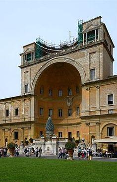 Cortile del Belvedere - Bramante-Wikipedia, the free encyclopedia