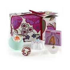 Bomb Cosmetics Vintage Velvet Set:£12.99- FREE DELIVERY at The Fabulous Gift Store
