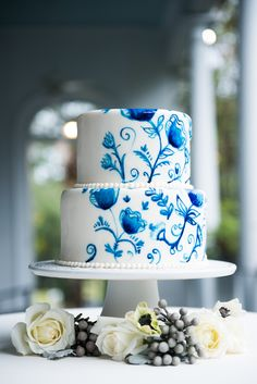 Delft Blue Wedding Inspiration in a Southern Setting|Photographer: Reese Moore Weddings