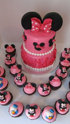 Minnie Mouse and Friends Cake & Cupcakes