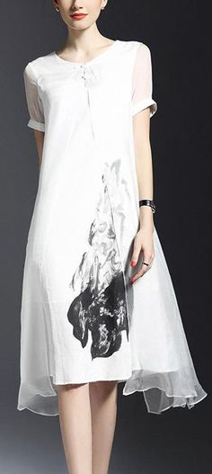 This dress blends eastern and western culture. Get a close look at the details at Floryday.com.