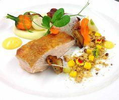 @cevatelat - Chicken, sweetcorn, ceps, potato puree chicken & thyme cream #FeedYourEyes Nov/Dec