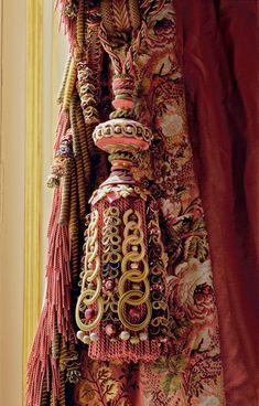 saved for idea - buttonhole stitch over interlocking keyrings Graf Passementerie Drapes Curtains, Drapery, Luxury Curtains, Window Coverings, Window Treatments, Textiles, Glands, Fru Fru, Passementerie