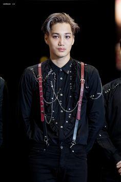 Kai - 161202 2016 Mnet Asian Music Awards Credit: MakeHimMine.