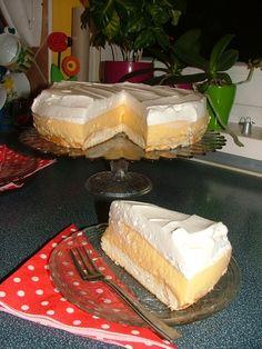 Hungarian Desserts, Hungarian Food, Eclair Cake Recipes, Eclairs, My Recipes, Vanilla Cake, Camembert Cheese, Deserts, Sweets