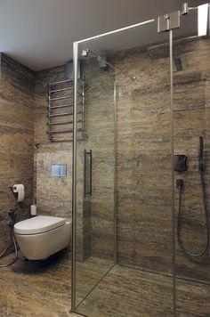 Решение для совмещенной ванной комнаты. #совмещенная_ванная_комната #стеклянная_душевая_кабина