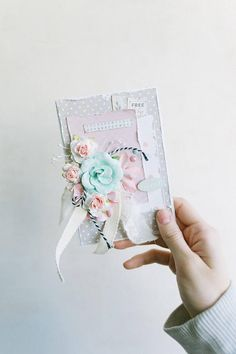 A very tender card for shabby chic lovers will definitely create a sense of tenderness 🌸