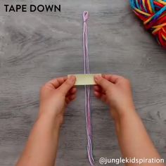 video to do when bored Diy Friendship Bracelets Tutorial, Friendship Bracelets Designs, Diy Bracelets Easy, Summer Bracelets, Bracelet Crafts, Bracelet Tutorial, Bracelet Designs, Diy Bracelets With String, Paracord Tutorial