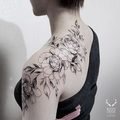 Stunning black and white floral tattoo design idea inspiration shoulder placement | https://www.instagram.com/p/_mI6rcDRbH/?taken-by=zihwa_tattooer