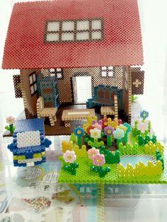 Les plus impressionnantes maisons de poupées en perles Hama